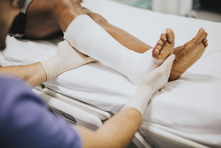 accident-adult-african-bandage