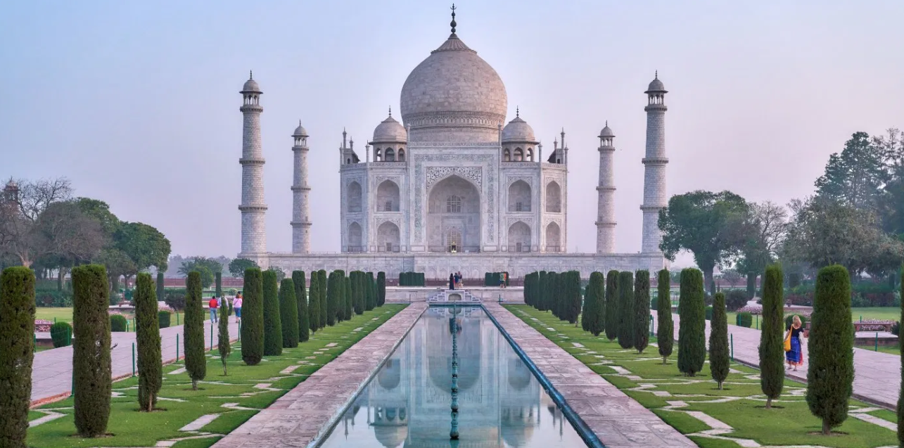 Why choose tourism in Agra?