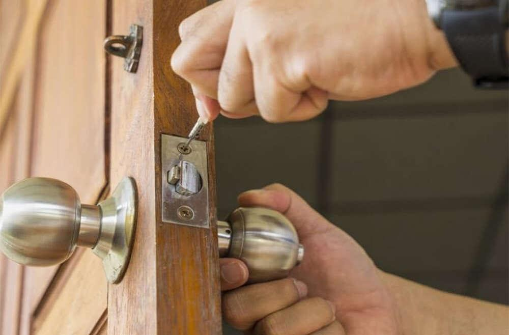 Types Of Locksmiths And Their Services